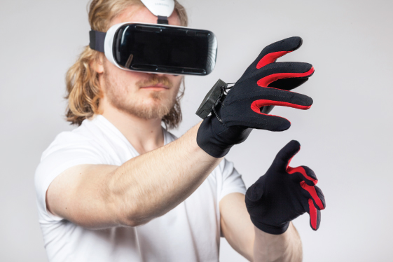 Oculus Rift : Virtual Reality Headset with Gloves